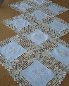 Learn How To Crochet The Sugar Plum Baby - Diy Crafts - maallure Débardeurs Au Crochet, Crochet Quilt, Crochet Borders, Filet Crochet, Crochet Stitches, Crochet Patterns, Diy Crafts Knitting, Diy Crafts Crochet, Diy And Crafts Sewing