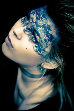 wish i could do this with just EYESHADOW! so hot. click for the pic for more of Toni Cappellano's work!!