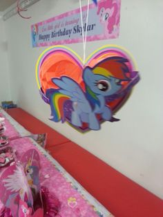 My little pony honeycomb Honeycomb, Event Decor, My Little Pony, Events, Honeycombs, Mlp, Honeycomb Pattern