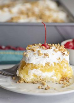 Miss Mary Anne's Twinkie Cake - Southern Plate Twinkie Cake Recipes, Twinkie Desserts, Sheet Cake Recipes, Pudding Desserts, Dessert Recipes, How To Make Cake, Food To Make, Cake Hacks, Layered Desserts