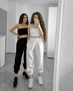 Twin Girls Outfits, Matching Outfits Best Friend, Best Friend Outfits, Teenager Outfits, Girls Fashion Clothes, Teen Fashion Outfits, Women's Fashion Dresses, Girl Fashion, Bodycon Fashion