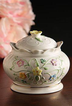 Belleek Culmore 2016 Heritage Gift Box, Limited Edition Irish Pottery, Belleek China, Belleek Pottery, Irish Cottage, Home Board, Music Boxes, Irish Blessing, Tea Sets, British Isles