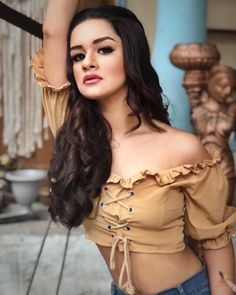 Avneet kaur cutest unseen latest images of her body show and navel pics with hot sexy big cleavage and bikini photos collection. Celebrity Fashion Looks, Celebrity Outfits, Stylish Girls Photos, Stylish Girl Pic, Teen Actresses, Indian Actresses, Teen Star, Teen Hotties, Classy Prom Dresses