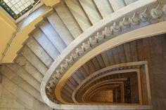 Escalera del Círculo de Bellas Artes de Madrid (España).  1919-1926, arquitecto: Antonio Palacios Ramilo.