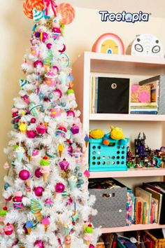 Craving sweets? We know you'll love this one. 🍦🧁🍧 DIY sweets ornaments paired perfecty with our Essentials - White Tree. Tap this photo and 'sugar-rush' your way into creating your own unique tree. 🎄 📸: @iamjenperkins #Treetopia #ChristmasTree #UniqueTree #Colorful #Decor #DIY #Fall #FallSeason #Design #Craft #Unique #Style #Quirky #Tree #Christmas #Fun #Cute #FunDesign #CuteDesign #Idea #FunIdea #DoItYourself