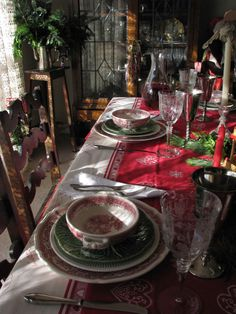Beautiful Christmas tablescape.