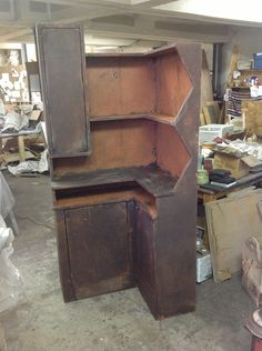 Buttery..I want one Primitive Cabinets, Primitive Furniture, Primitive Antiques, Country Furniture, My Furniture, Furniture Making, Furniture Makeover, Primitive Shelves, Primitive Decor