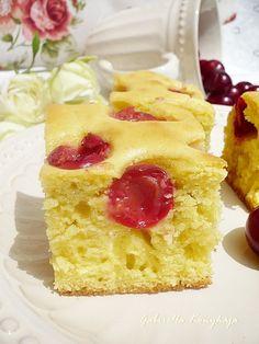Gabriella kalandjai a konyhában :): Kefires sütemény gyümölccsel vagy anélkül Kefir, Vanilla Cake, Cake Recipes, Cookies, Desserts, Breads, Food, Kitchens, Kuchen