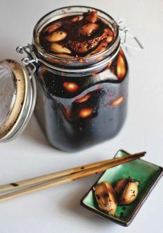 MANUL JANGAJI & MANUL CHANGACHI (pickled garlic) ~~~ several constructs follow... from simple vinegar and salt to soy sauce and vinegar to soy sauce and gochigaru to soy sauce and jalapeno... this post's link + http://www.koreanbapsang.com/2013/05/maneul-jangajji-korean-pickled-garlic.html + http://weekofmenus.blogspot.com/2009/06/soy-pickled-garlic-and-jalapenos.html + http://koreanfood.about.com/od/sidedishesbanchan/r/Pickledgarlic.htm [Korea] [fritesandfries]