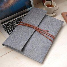 Felt MacBook Air Case Felt macbook case MacBook pro sleeve -macbook case macbook sleeve, Laptop bag for ~ easy to diy. Macbook Air, Macbook Sleeve, Macbook Accessories, Bag Accessories, Computer Accessories, Diy Laptop, Laptop Bags, Felt Case, Mac Book