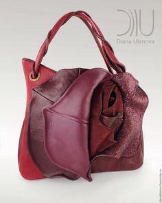 Купить в наличии Роза бутон бордо - розовый, однотонный, черная сумка, авторская сумка