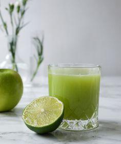 Vihermehu voi piilottaa sisäänsä parsan kantoja, varsiselleriä, tai nokkosta. Ananas tai vihreä omena sopivat vihermehun kuin vihermehun pohjaksi!
