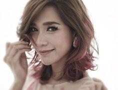 Pink hair dip dye