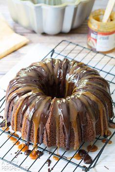 Amazing Baileys Irish Cream Bundt Cake #cake #bundtcake #baileysirishcream
