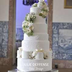 Luxury wedding cake by Julie Deffense of Julie Deffense Artistry. Sarasota, FL, Cascais, Portugal, Worldwide. Cake: Julie Deffense Location: Palacio da Cruz Vermelha, Lisbon, Portugal