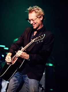 Gerry Beckley on Stage