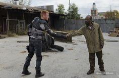 """""""The Walking Dead"""" Daniel Newman and Lennie James"""