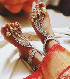 Get the latest Payal Designs To Complete your Traditional Accessory List loved by the women from all the age groups on Threads. Payal Designs Silver, Silver Anklets Designs, Silver Payal, Anklet Designs, Gold Earrings Designs, Mehndi Designs, Toe Ring Designs, Foot Jewelry Wedding, Indian Wedding Jewelry