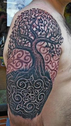 Celtic tree, tree of life. I love this design