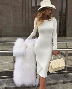Date Outfit Ideas: Elegantly Dress up For a Date the Victoria-Fox Way - Elegant Outfit Elegant White Dress, Elegant Dresses Classy, Elegant Outfit, Classy Dress, Classy Casual, Simple Dresses, Beautiful Dresses, Casual Dresses, Classy Style