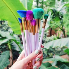 From @leighannsays - swooning over these colorful brushes by sonia kashuk   check out these brushes and (so much) more summery stuff in my brand new target haul:: youtube.com/leighannsays (link in bio) #target #summersprays #spon