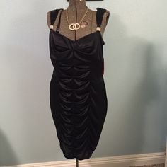 BLACK PLEATED EVENING DRESS FOR THE HOLIDAYS so comfy and stretchable,zipper on the side 100% polyester NEW NEVER WORN Pompous girly Dresses