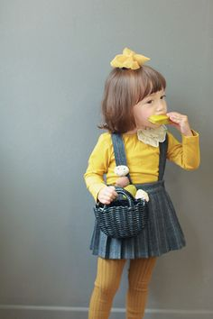 Beautiful girl clothes www.piccolielfi.it