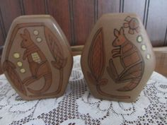 Pottery Salt & Pepper Shakers Kangaroo Art, Studio Anna, Australia, Vintage