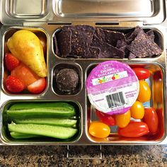 Monday's @planetbox for my daughter is guacamole, organic blue corn/flaxseed chips, grape tomatoes, mini cucumbers, a forelle pear, and a dark-chocolate covered marshmallow. Happy packing! #lunch #bento #bentobox #organic #organicfood #healthy #healthyfood #healthykids #healthylife #healthyeating #Healthyfamily #instafood #instagood #eatyourveggies #eattherainbow #cleaneats #cleaneating #healthychoices #picoftheday #foodpic #foodie #eeeeeats #feedfeed #yum #healthymeals #parentlife #momlife…
