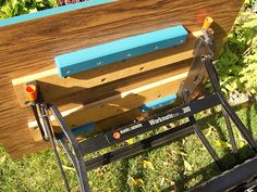 Rouge River Workshop: An Auxiliary Bench Top for a Workmate Portable Workbench, Diy Workbench, Woodworking Bench, Woodworking Projects, Mobile Workbench, Workshop Bench, Workshop Ideas, Wooden Garden Benches, Carpentry Tools