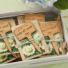 Wedding favor ideas + inspiration to help you ditch the favors guests will toss and give them something unique that they'll want to keep! Cute favor ideas, sustainable wedding favors, food favors, DIY wedding favors and other favors that guests will love! Creative Wedding Favors, Inexpensive Wedding Favors, Elegant Wedding Favors, Edible Wedding Favors, Personalized Wedding Favors, Wedding Favors For Guests, Unique Weddings, Handmade Wedding, Craft Wedding