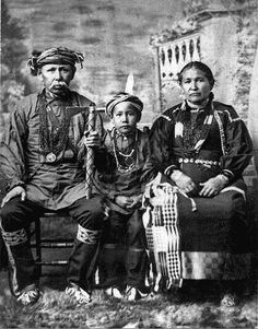 Isaac McCoy with his son David and his wife Mary Thorpe - Ottawa - 1900