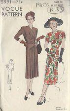 "1940s Vintage VOGUE Sewing Pattern B30""DRESS (R133)"