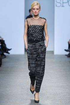 Sportmax Fall 2013 Ready-to-Wear Collection Slideshow on Style.com