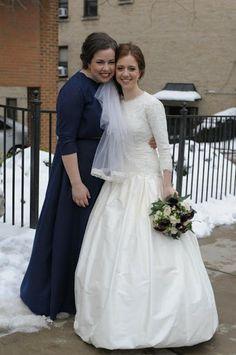Frum / tznius Jewish wedding dress with sleeves. http://thebalcon.blogspot.com/