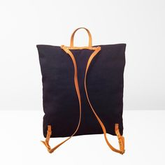 If you're looking for a nice versatile bag, you'll fall under the spell of this handmade convertible backpack / shoulder bag by genreDenis!