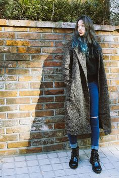 adoreann: Jo Eun Hee by Jung Jaehwa xoxo Asian Street Style, Korean Street Fashion, Street Chic, Asian Fashion, Asian Style, Fashion Idol, Grunge Fashion, Fashion Photo, Girl Fashion