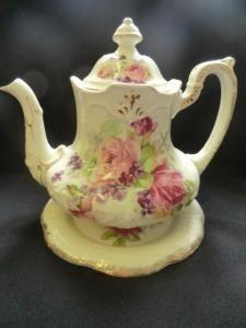 Victorian/Edwarsdian Floral Teapot....