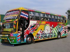 Tractari-Auto-Constanta.ro: Thailand crazy bus.