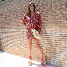 You must be unforgettable 😍 Ready for a perfect 💫👜 🛒Shop - in Madrid: www. Short Sleeve Dresses, Dresses With Sleeves, Madrid, Bag, Shopping, Collection, Fashion, Spring Summer 2018, Moda