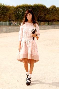 Street Style: Valentina Siragusa in Paris