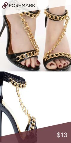 ?bbe by Forever New 4.5 inch chain link heel  Fauz leather material Zipper in back Shoes Heels