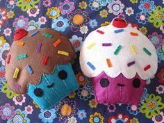 Felt kawaii cupcakes