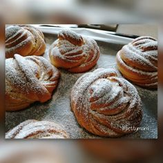 Fahéjas csomó – Betty hobbi konyhája Jamie Oliver, The Hobbit, Muffin, Food And Drink, Bread, Breakfast, Recipes, Morning Coffee, Brot