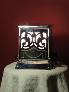 Vintage art deco toaster lamp