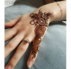 Alluring Floral Mehndi Design For Backhands - Mehinde - Hand Henna Designs Finger Henna Designs, Henna Art Designs, Indian Mehndi Designs, Mehndi Designs For Girls, Mehndi Designs 2018, Mehndi Designs For Beginners, Modern Mehndi Designs, Mehndi Design Photos, Mehndi Designs For Fingers