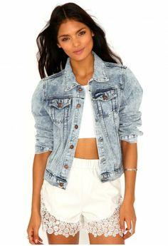 Missguided - Laverna Acid Wash Boyfriend Denim Jacket In Light Blue Denim Outfit, Denim Shirt, Teen Jackets, Acid Wash Denim Jacket, Double Denim, Denim And Lace, Fall Winter 2014, Women Wear, Blue Fashion