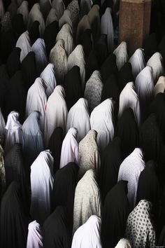 iran Iranian women perform their Friday prayer at the Imam mosque in the city of Isfahan, some 234 miles (390 kilometer) south of the capital Tehran, Iran, Friday, April 8, 2011. (Vahid Salemi/AP)