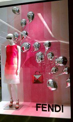 Love the pink Window Display Retail, Window Display Design, Retail Windows, Shop Windows, Fendi, Dance Decorations, Visual Merchandising Displays, Exhibition Display, Color Harmony