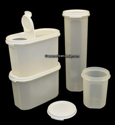 "Vintage Set Tupperware Modular Mates, stock containers Set of four Tupperware space savers ""Modular Mates"" consisting of two canisters with pouring opening. Get rid of those half-empty cardboard boxes with cereal. Store them in these storage containers with pouring opening and a capacity of 1.1 liters each. http://www.retro-en-design.co.uk/a-47098187/tupperware/vintage-set-tupperware-modular-mates-stock-containers/"